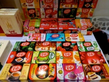 ::kit kats in millions of flavors, ranging from wine to red bean to several types of tea::