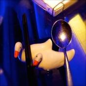 ::love the duck chopstick holders!::