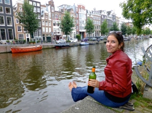 ::was so much fun that we brought our wine down to the canals another night::