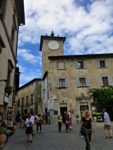 ::main piazza of Orvieto::