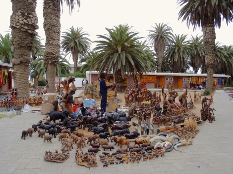 ::so many wooden animals::